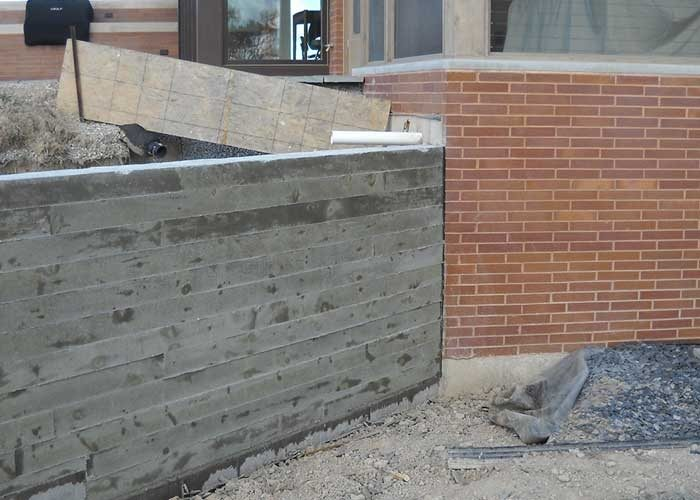 Retaining Wall Forms : Board form